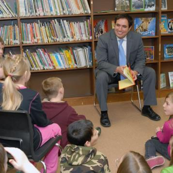 Rep. Burns reads 'Green Eggs and Ham' to 4th graders at Blacklick Elementary as part of 'Read Across America' in honor of Dr. Suess' birthday.